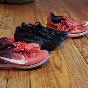 Bundle of 3 Nike shoes